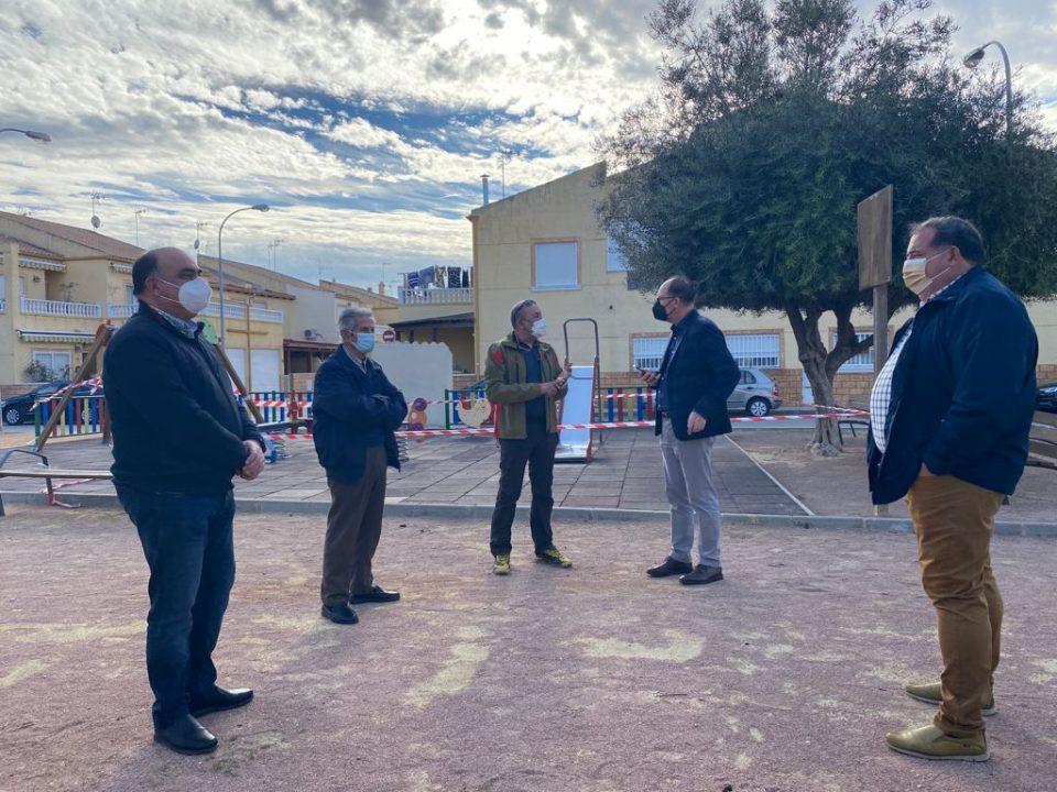 Finalizan las obras de reurbanización del barrio de Casas Baratas en El Mudamiento 6