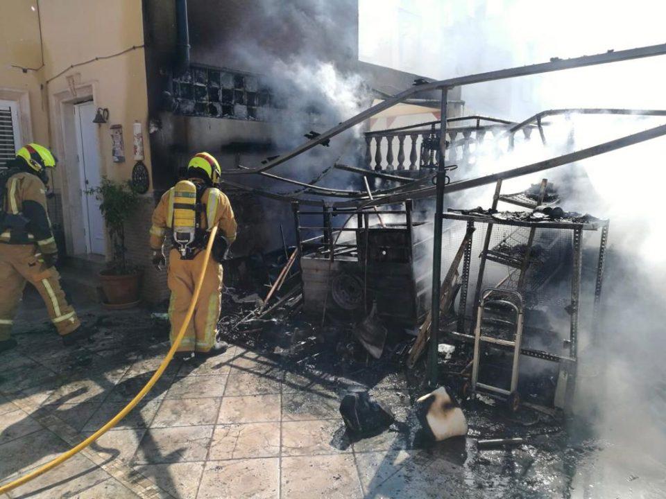 Un incendio calcina un trastero en Torrevieja 6