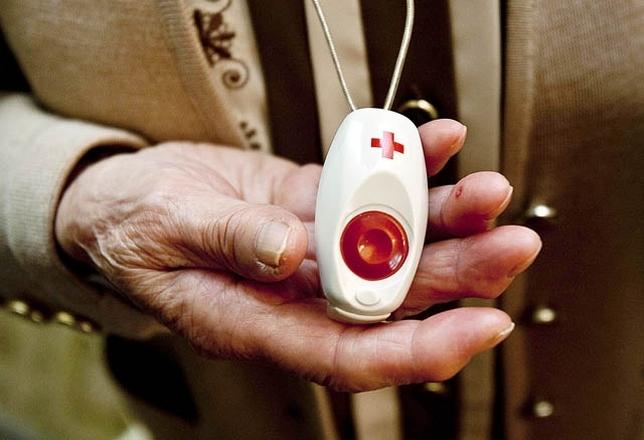 El Ayuntamiento de Cox asume el servicio de teleasistencia a personas mayores y vulnerables 6