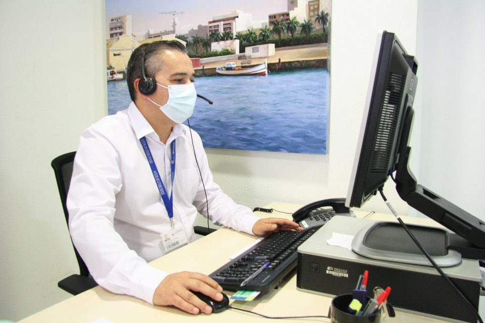 El Hospital Universitario de Torrevieja refuerza sus líneas telefónicas para solicitar cita previa en los centros de salud 6