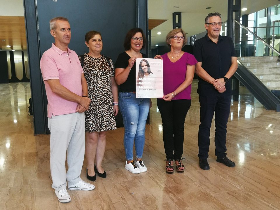 Orihuela se iluminará de color rosa el 19 de octubre contra el cáncer de mama 6