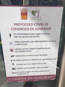El comercio de Almoradí adopta medidas higiénico sanitarias para la compra segura 7