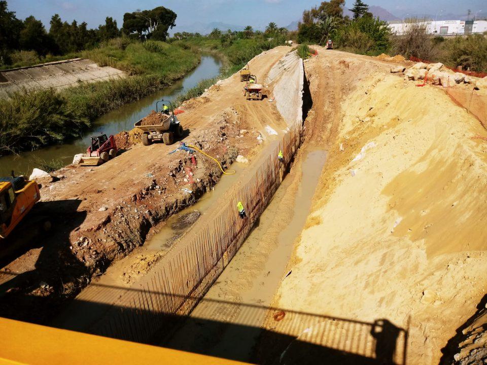 La CHS continúa con las obras para levantar el muro en el río a su paso por Almoradí 6