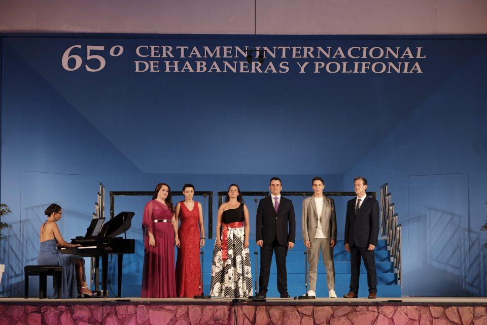Solistas de Torrevieja rememoran las ediciones de antaño del Certamen de Habaneras 6