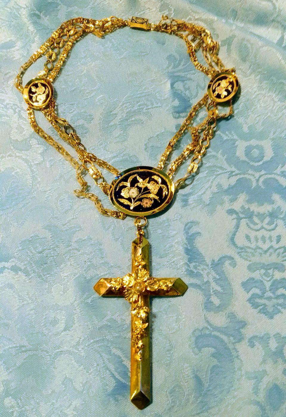 Hijos de la Inmaculada restauran la Cruz Pectoral 'de los Esmaltes' 6