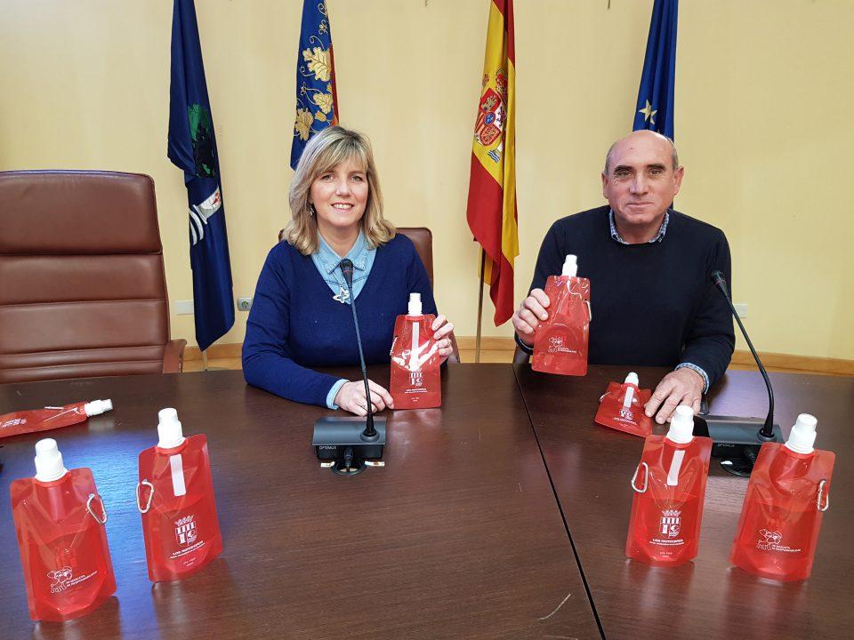El Ayuntamiento de Los Montesinos repartirá botellas para acabar con los orines de los perros 6
