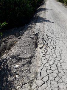 La Matanza exige una solución para la intransitable carretera hasta el colegio 7
