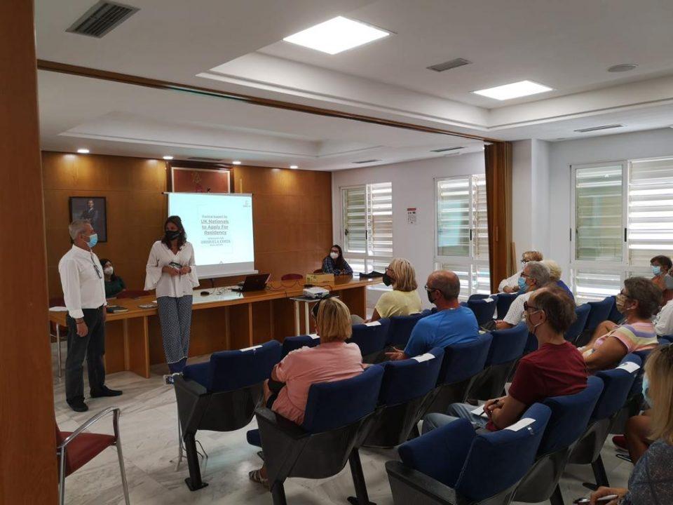 Residentes internacionales ofrece charlas para saber cómo tramitar el permiso de residencia 6