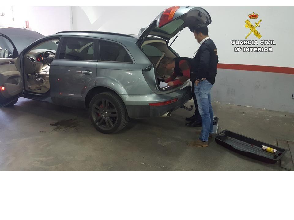Detenidos en Torrevieja por fraude en la compraventa de vehículos de alta gama 6