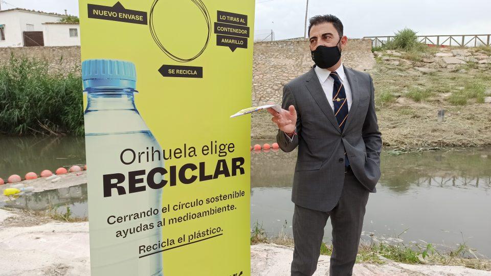 Orihuela anima a seguir mejorando las cifras de reciclaje de plásticos 6