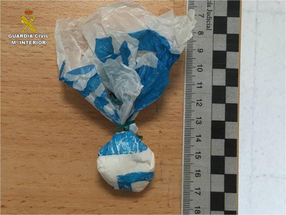Un hombre de Catral se salta el confinamiento para comprar droga en Almoradí 6