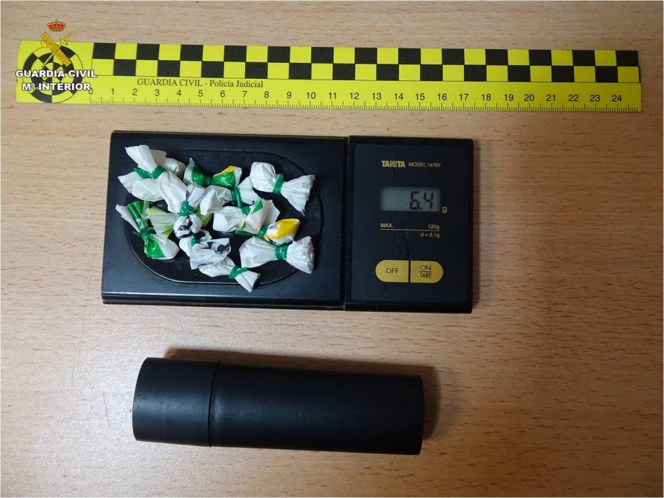 Tres jóvenes se pasean en un coche por Almoradí y Rojales con 14 dosis de cocaína 6
