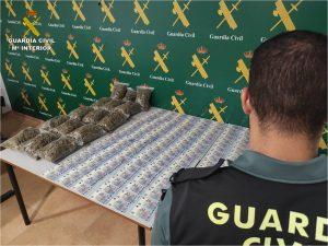 Dos detenidos en Torrevieja por tráfico de drogas 7