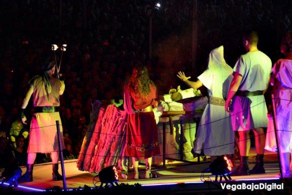 La Encantá da paso a las fiestas de Guardamar 10