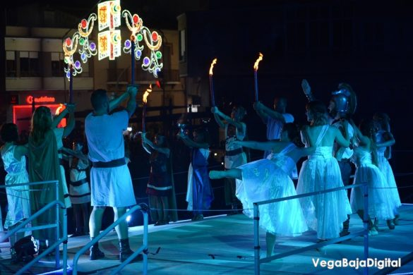 La Encantá da paso a las fiestas de Guardamar 38