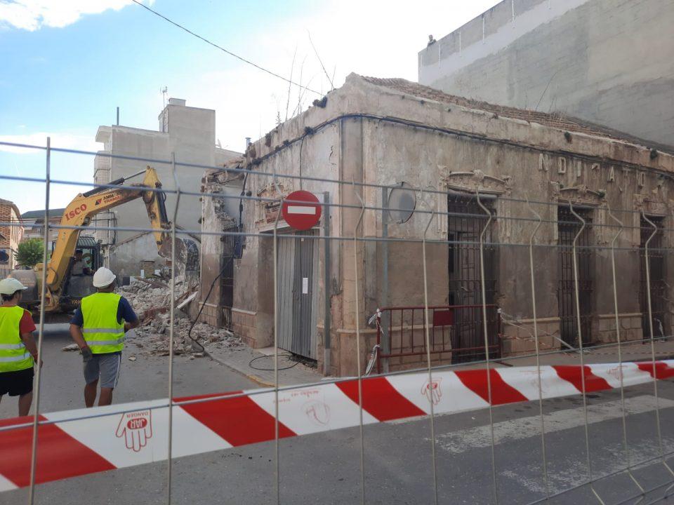 El Ayuntamiento de Rafal inicia la demolición del centenario edificio del Sindicato Agrícola 6