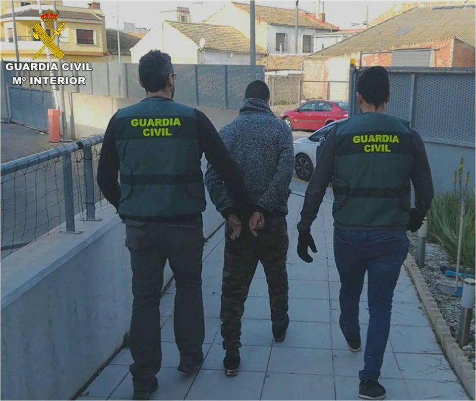 La Guardia Civil detiene a dos personas en Rojales por robo con fuerza 6