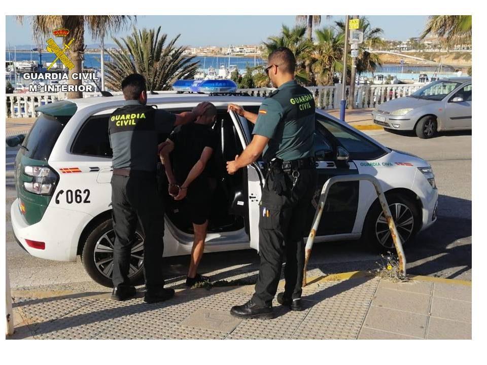 Detenidas tres personas por robos en viviendas de Orihuela Costa 6