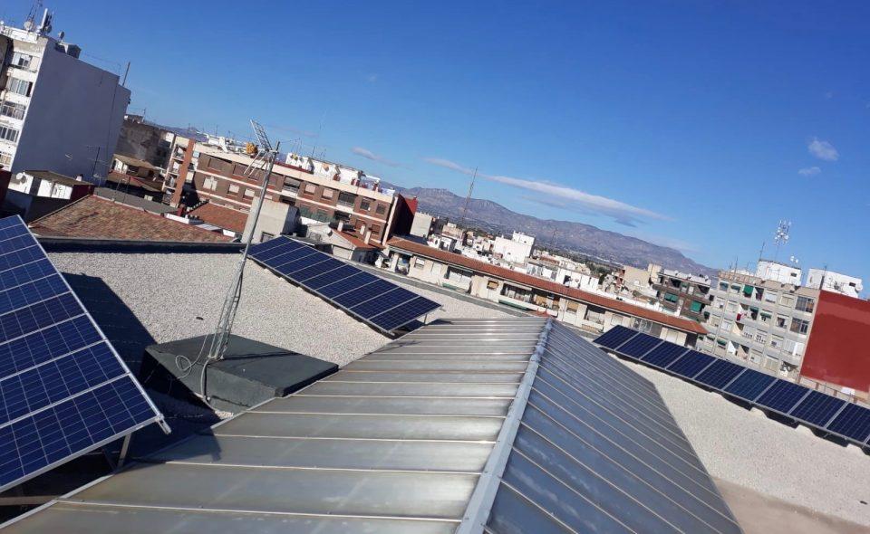 Dolores impulsa la instalación de placas solares en dependencias municipales 6