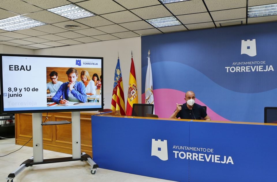 Torrevieja acoge por primera vez las pruebas EBAU 6