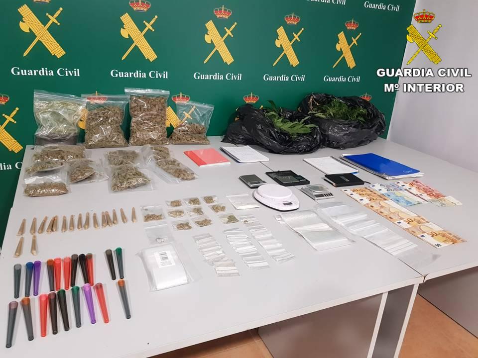 Tres detenidos en Torrevieja por tráfico de drogas 6
