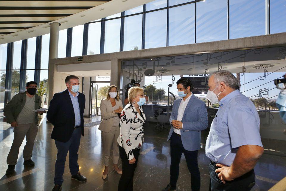 Barceló no asistirá a la reunión sobre el futuro de los empleados del área de Salud de Torrevieja 6