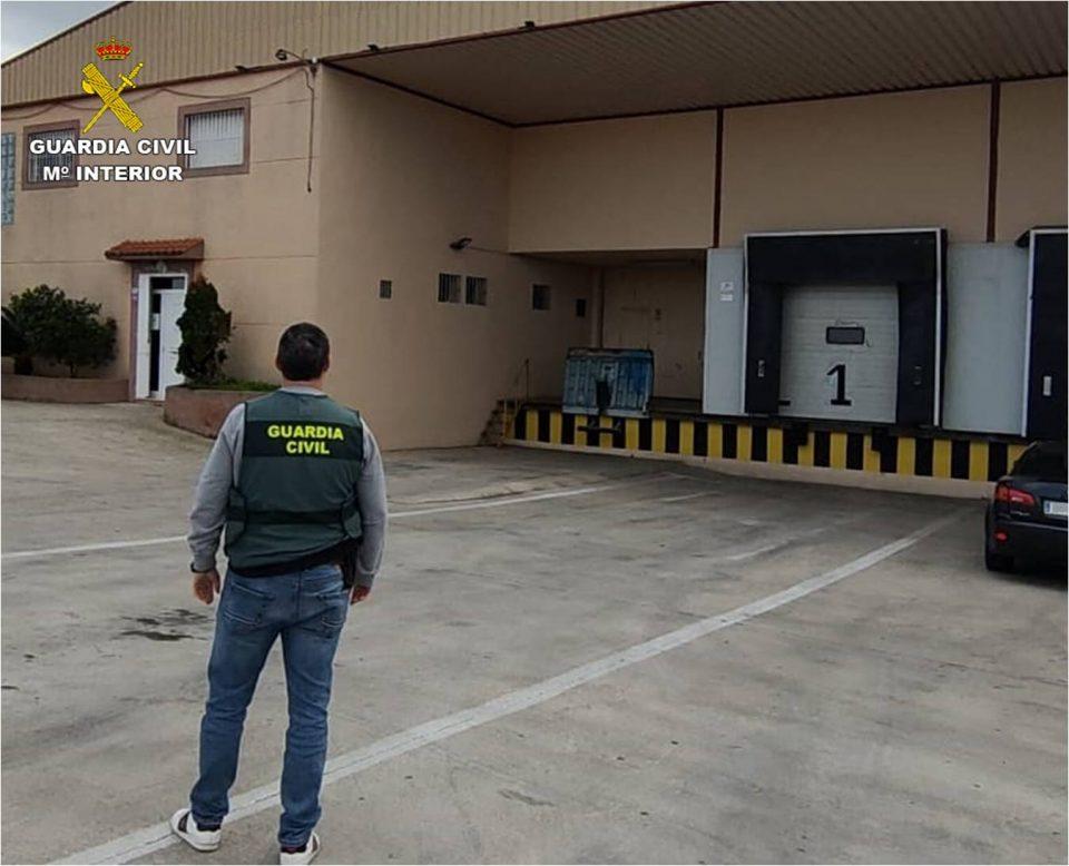Detenido un hombre por la estafa en la compraventa de 61 toneladas de naranja en la Vega Baja 6