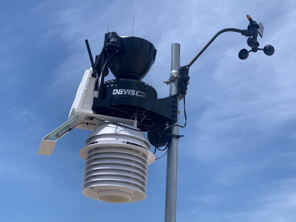 Dolores instala una Estación Meteorológica y un captador de calidad del aire 6