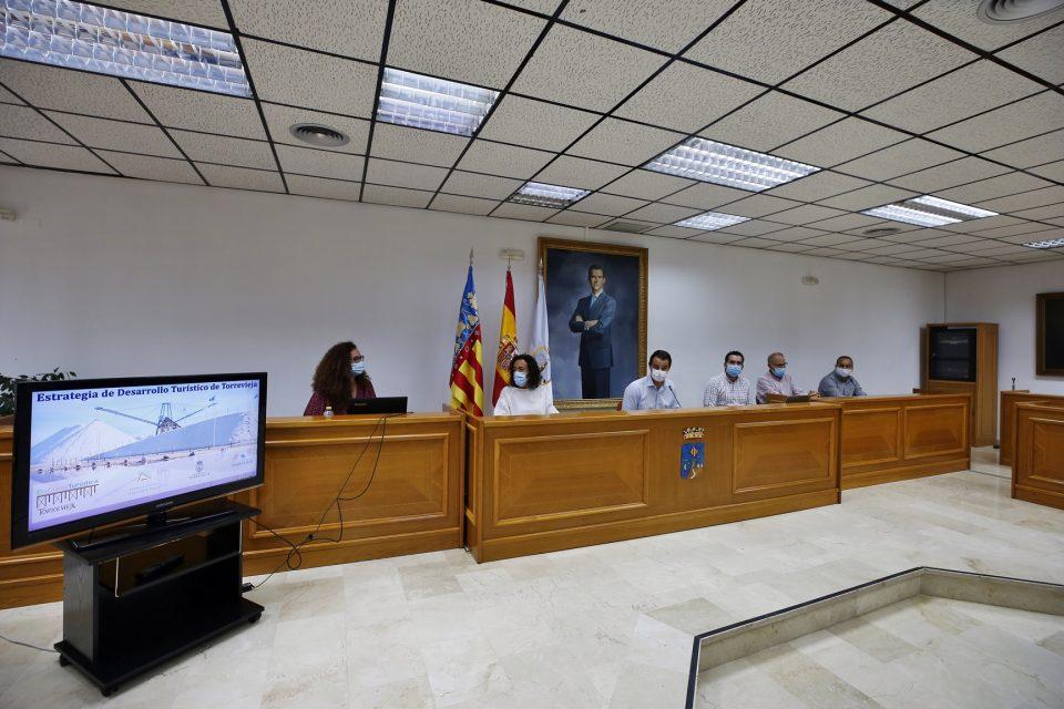 Torrevieja continúa mejorando su estrategia como destino turístico 6