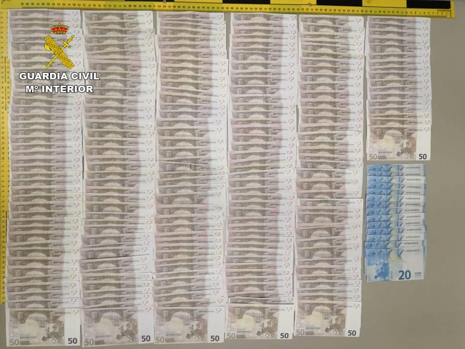 Tres detenidos en Torrevieja por intentar estafar a los comercios con billetes falsos 6