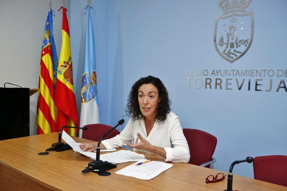 Torrevieja aprueba a la convocatoria de licitación para el transporte de las escuelas deportivas 6