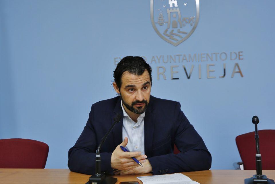 Dolón lamenta que la Generalitat no atienda las reivindicaciones de Torrevieja 6