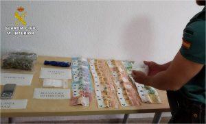 La Guardia Civil desmantela cinco puntos de venta de droga en Torrevieja 7