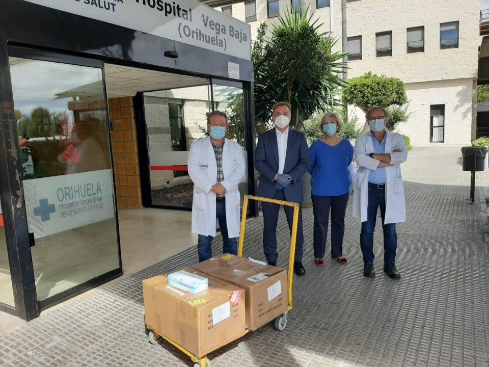 El empresario Enrique Riquelme dona más de 8.000 test de detección de coronavirus a la Vega Baja 6