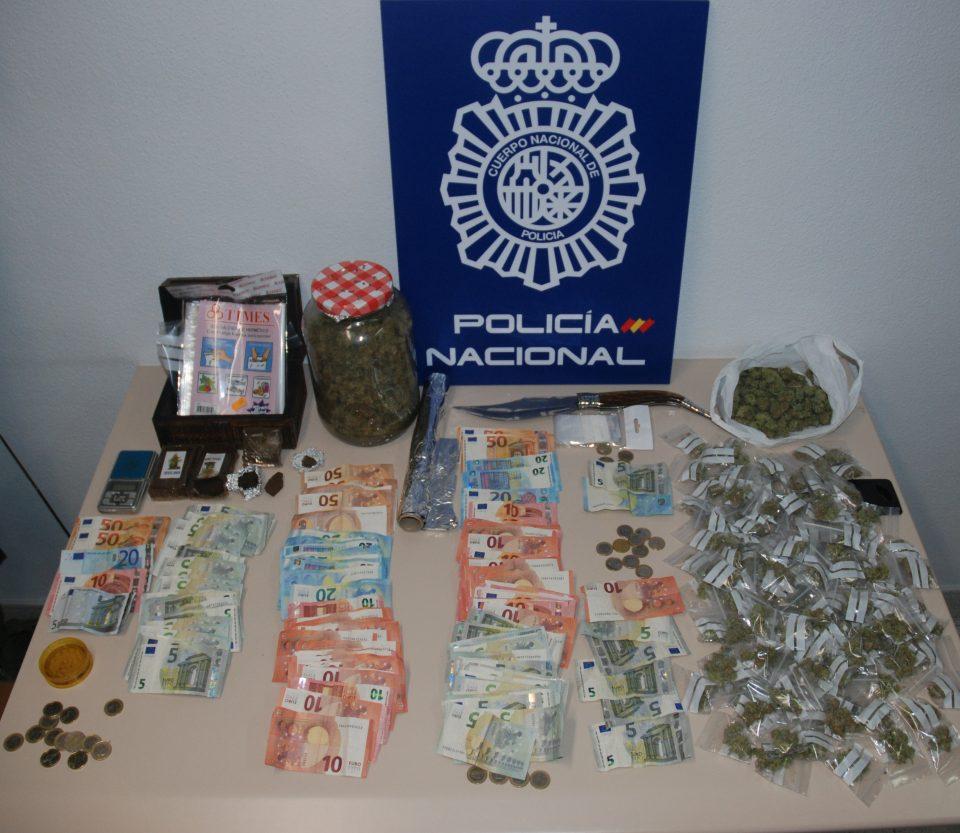 La Policía Nacional detiene a cuatro personas por tráfico de drogas en Orihuela 6