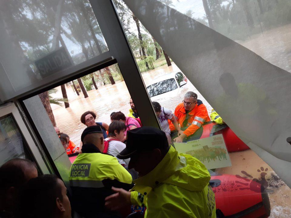 El Centro Ocupacional y Residencia ORIOL exige una solución para su sede 6