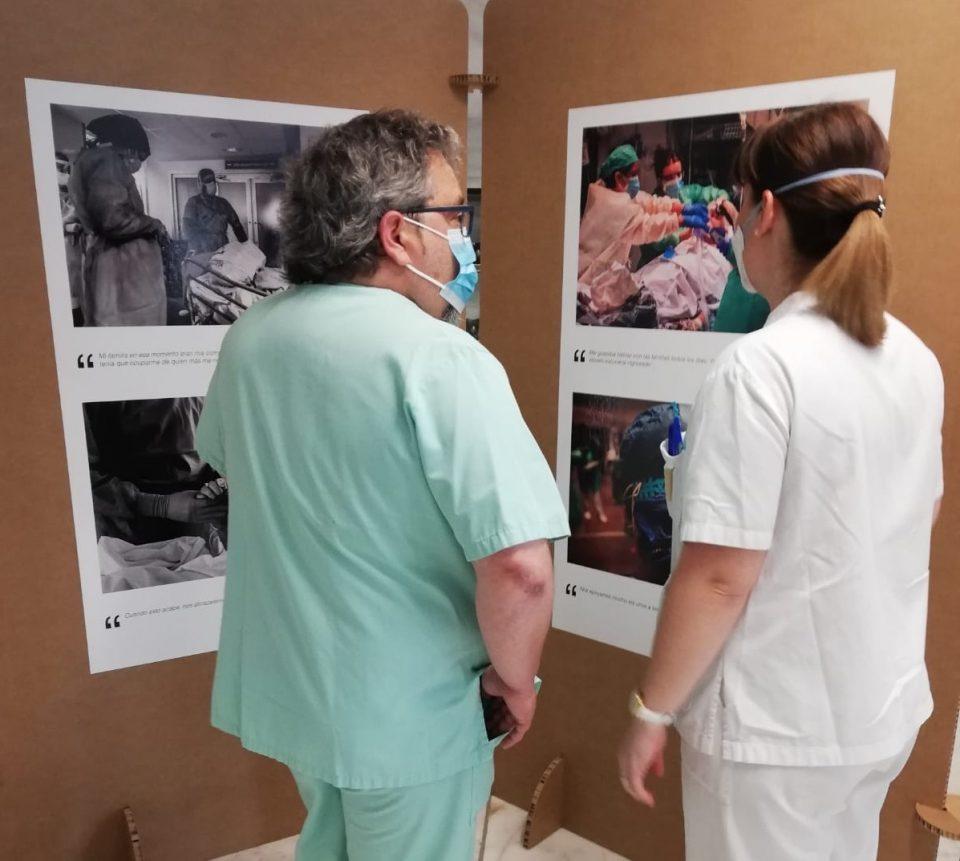 El Hospital de Torrevieja acoge una exposición homenaje a profesionales y pacientes 6