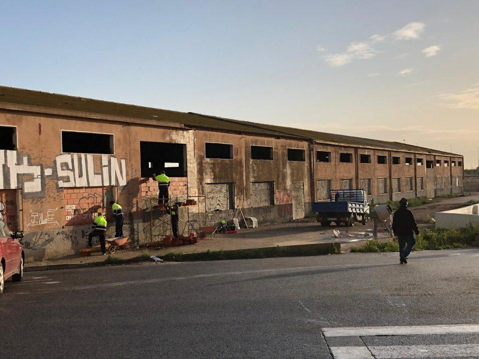 El Ayuntamiento de Callosa tapia la antigua fábrica ubicada junto al IES Vega Baja 6