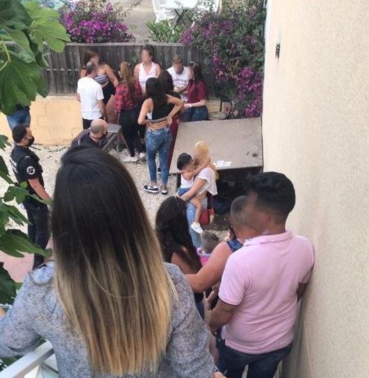 Denunciados 24 adultos que celebraban una fiesta ilegal con niños en Torrevieja 6