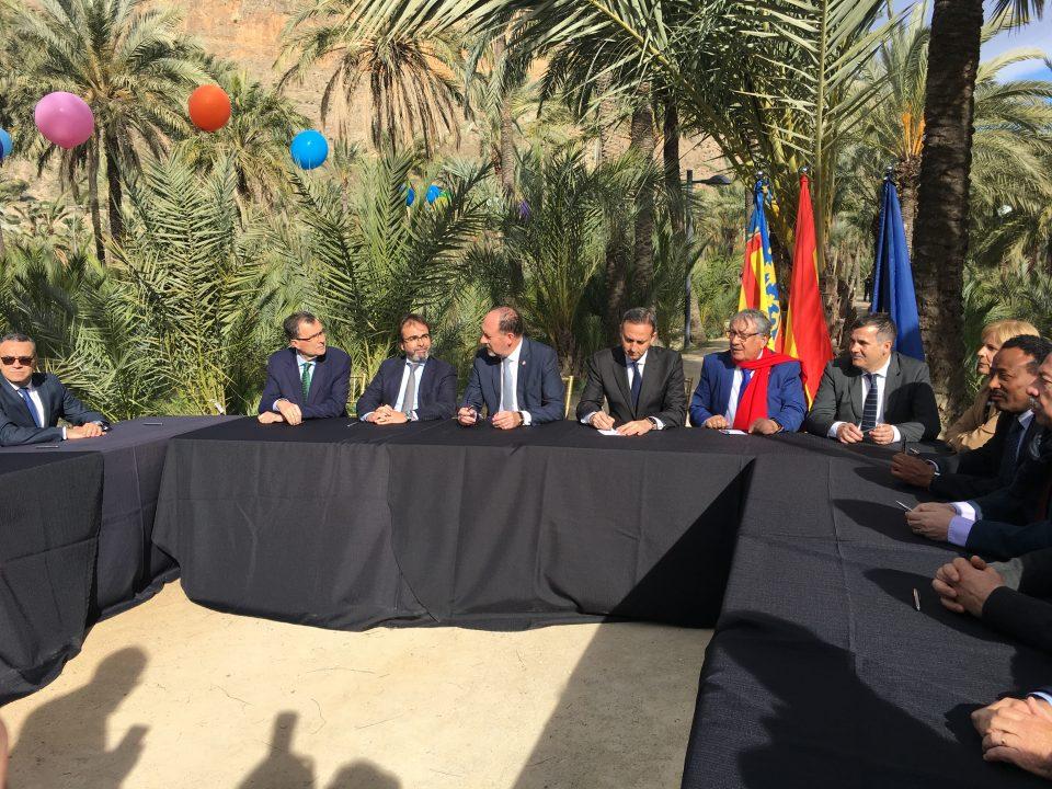 Orihuela y embajadores árabes firman un decálogo para proteger los palmerales 6