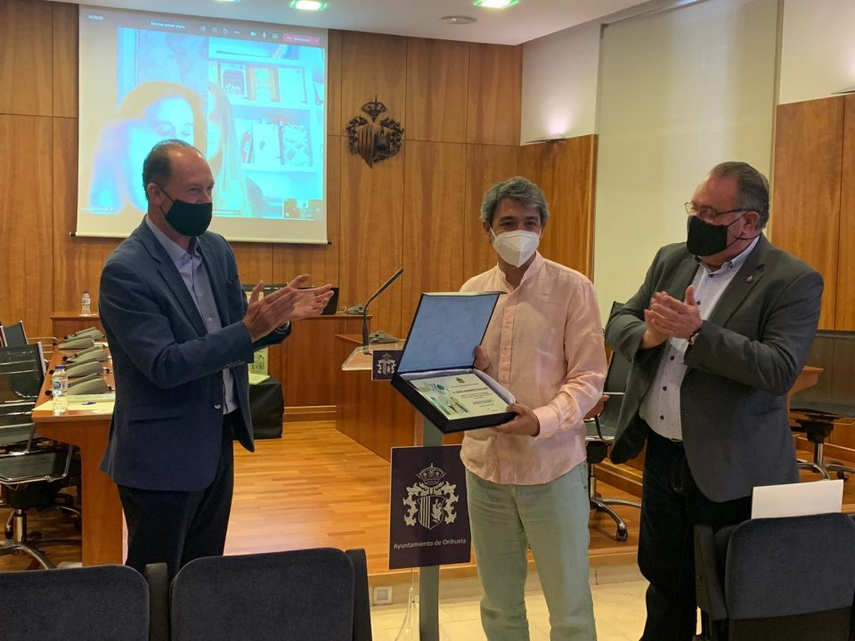 Alejandro Pedregosa gana el Premio Internacional de Poesía Ciudad de Orihuela 2020 6