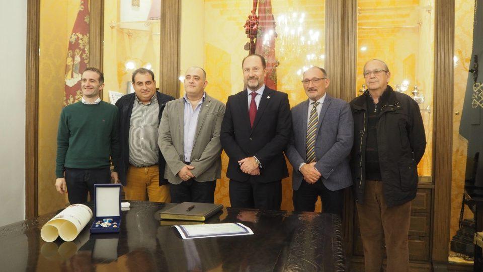 El Ayuntamiento de Orihuela recibe a Alberto Cabrera por su labor humanitaria en Mozambique 6