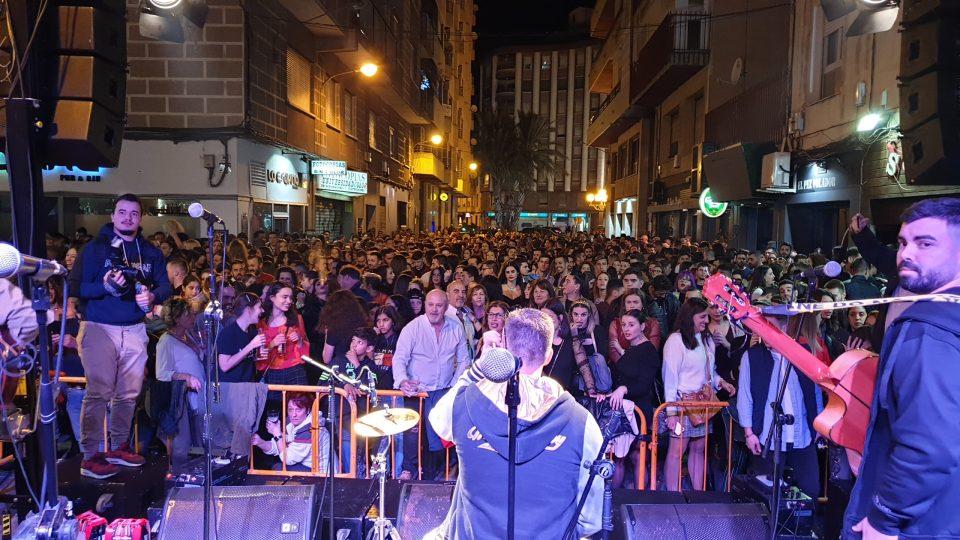 El Ave Fénix comienza a resurgir en Orihuela a golpe de guitarra 6