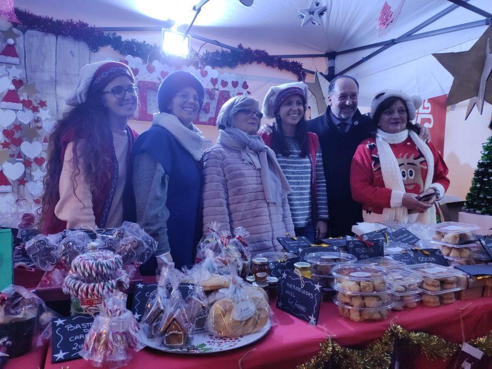 Arranca la Feria Solidaria de Navidad en Orihuela 6