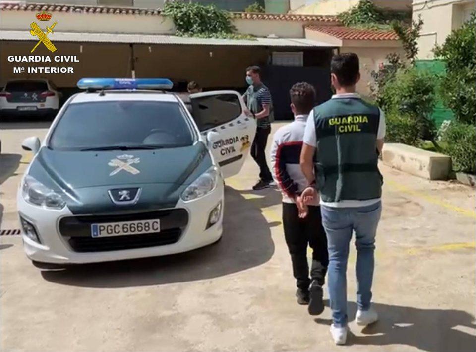 Dos detenidos por 68 delitos de robo y estafa en Callosa y Bigastro 6