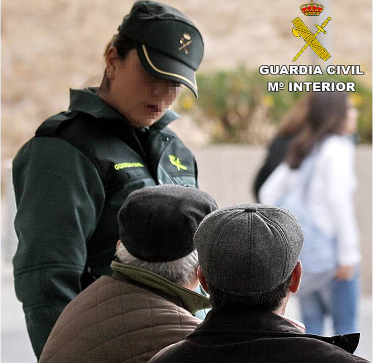 La Guardia Civil de Dolores detiene a dos hombres por delitos de estafa a personas mayores 6