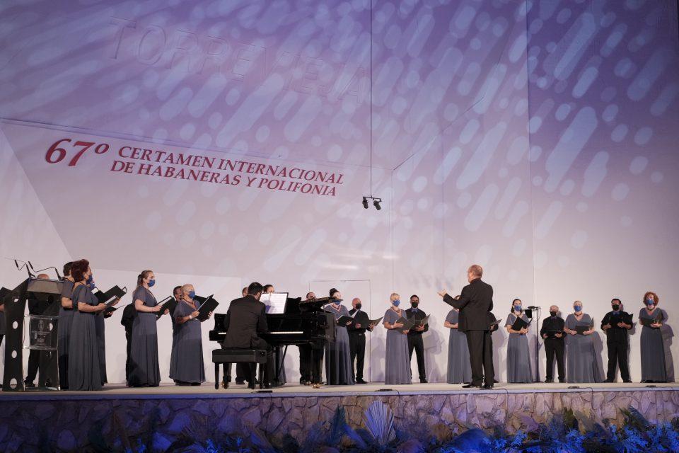 Los coros de Torrevieja vuelven al Certamen Internacional de Habaneras 6