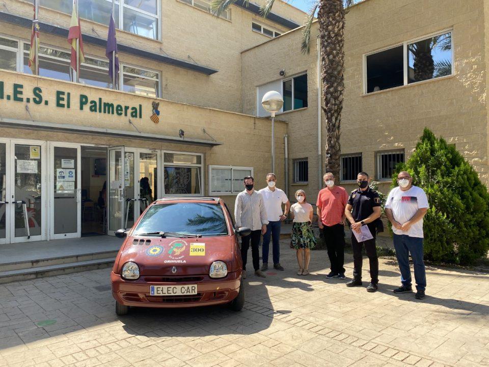 Orihuela cede vehículos para las prácticas de los alumnos de mecánica de FP 6