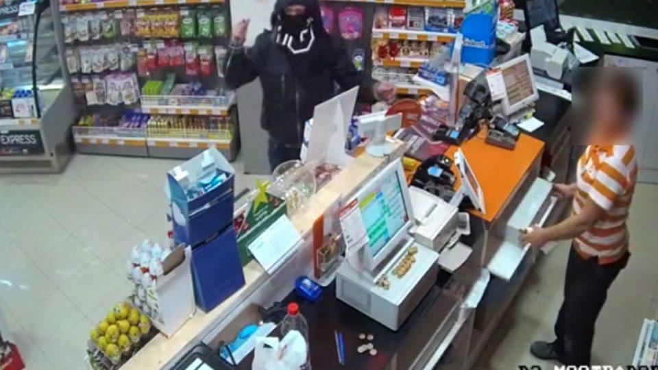 Detenido el autor de varios atracos en gasolineras de la Vega Baja 6