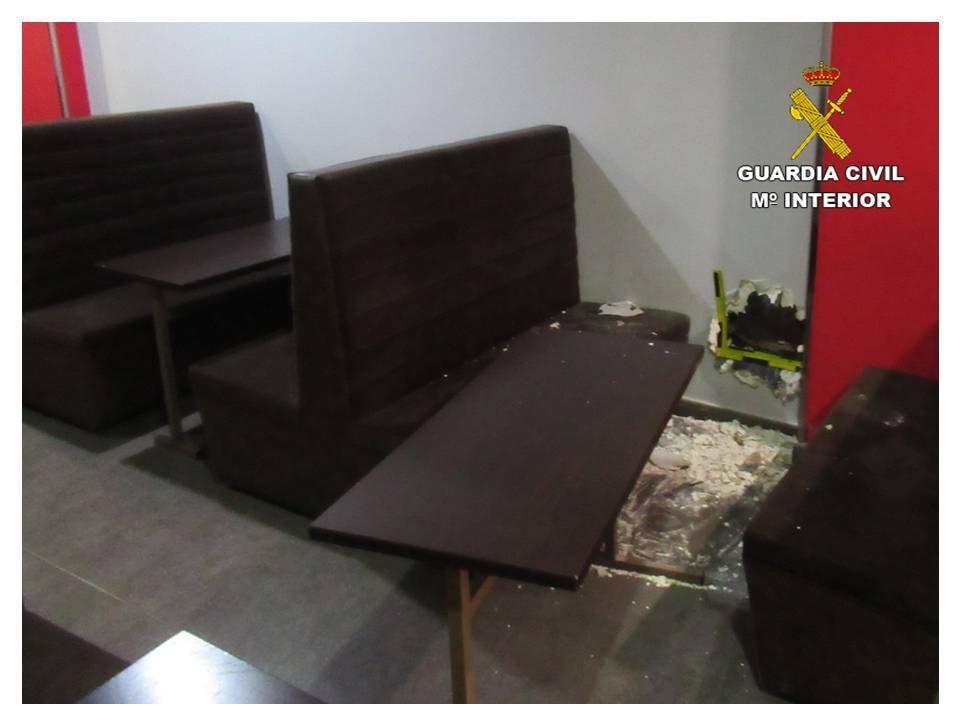 Detenidos dos vecinos de Callosa de Segura por robar en cafeterías de la localidad 6